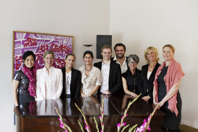 2012 Luncheon01_pink-tribute